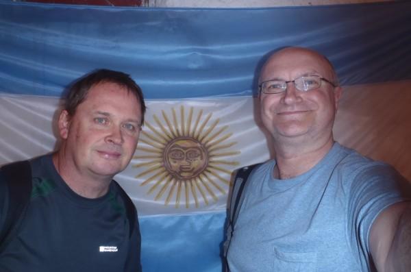 Durante sus vacaciones Neil y Digger estaban felices de solicitar la nacionalidad argentina (clarkson gracias por revolviendo para arriba! Tosser)