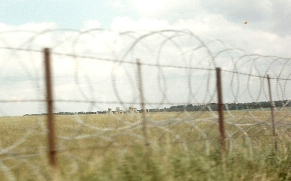 Stonehenge 85 barbed wire along A303